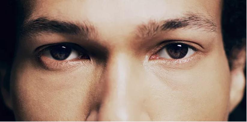 好老公的眼睛黑白分明